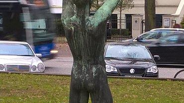 Statue vor dem Betriebsgelände des NDR Hamburg-Rothenbaumchaussee